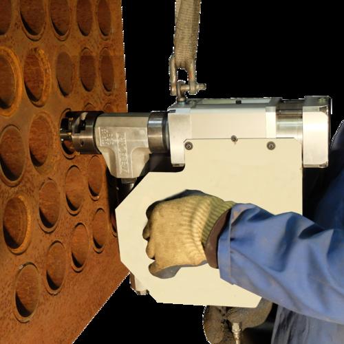 US25TP - Machine à usiner les tubes pour tubes d´échangeurs thermiques  Chanfreinage Mise à longueur Suppression de cordons de soudure