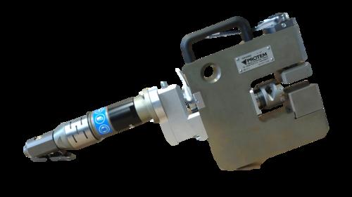 GR40 - Machine à chanfreiner et à gruger les ailettes de panneaux de chaudières