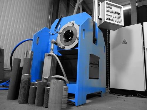 CTA-1-4 Machine automatique à couper et chanfreiner les tubes - Capacités 1