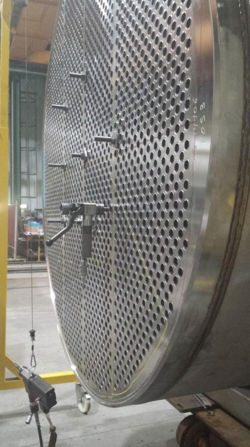 Machine-a-chanfreiner-Protem-S18-sur-echangeur-de-chaleur..jpg